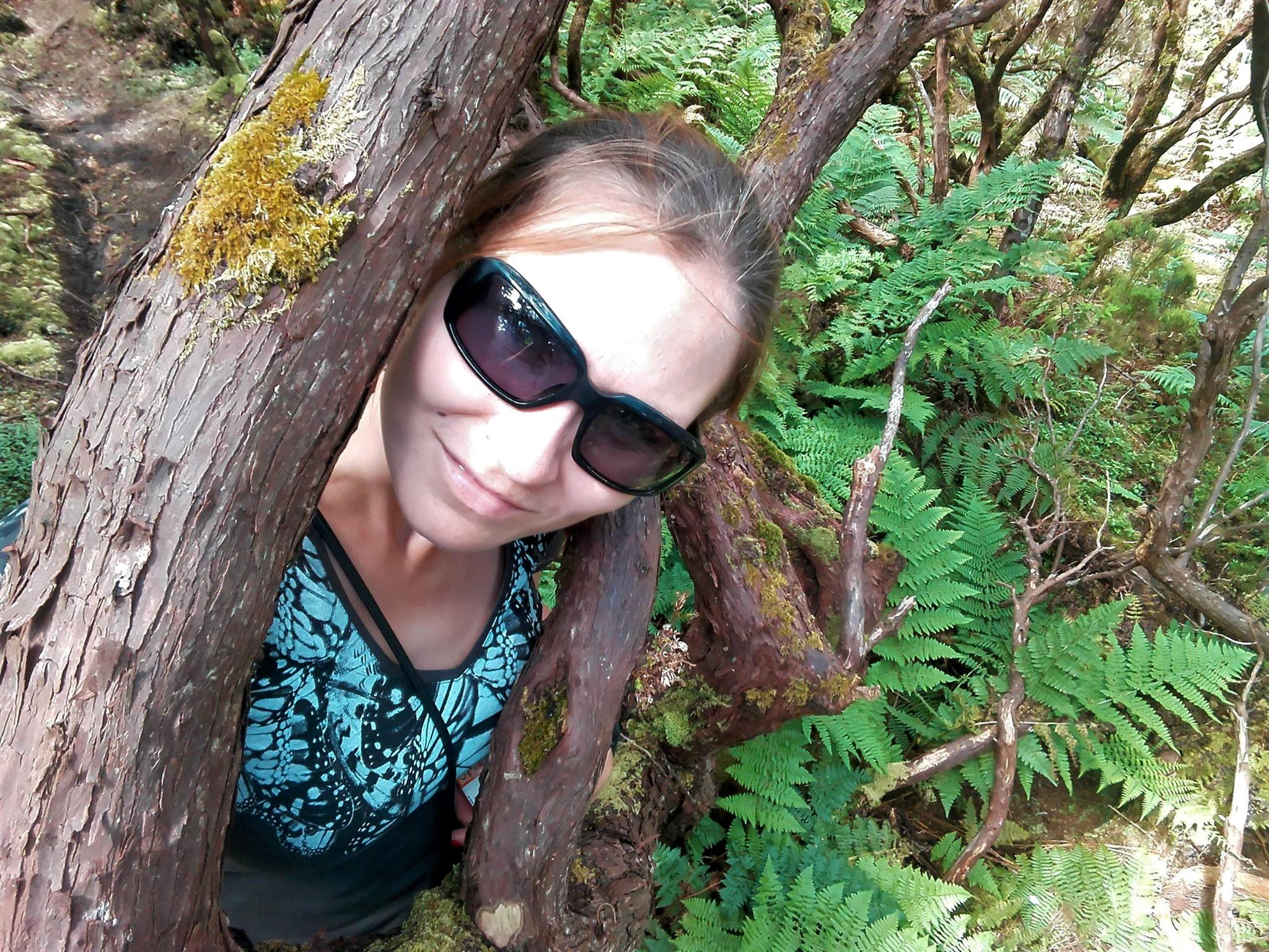 Ja za drzewem