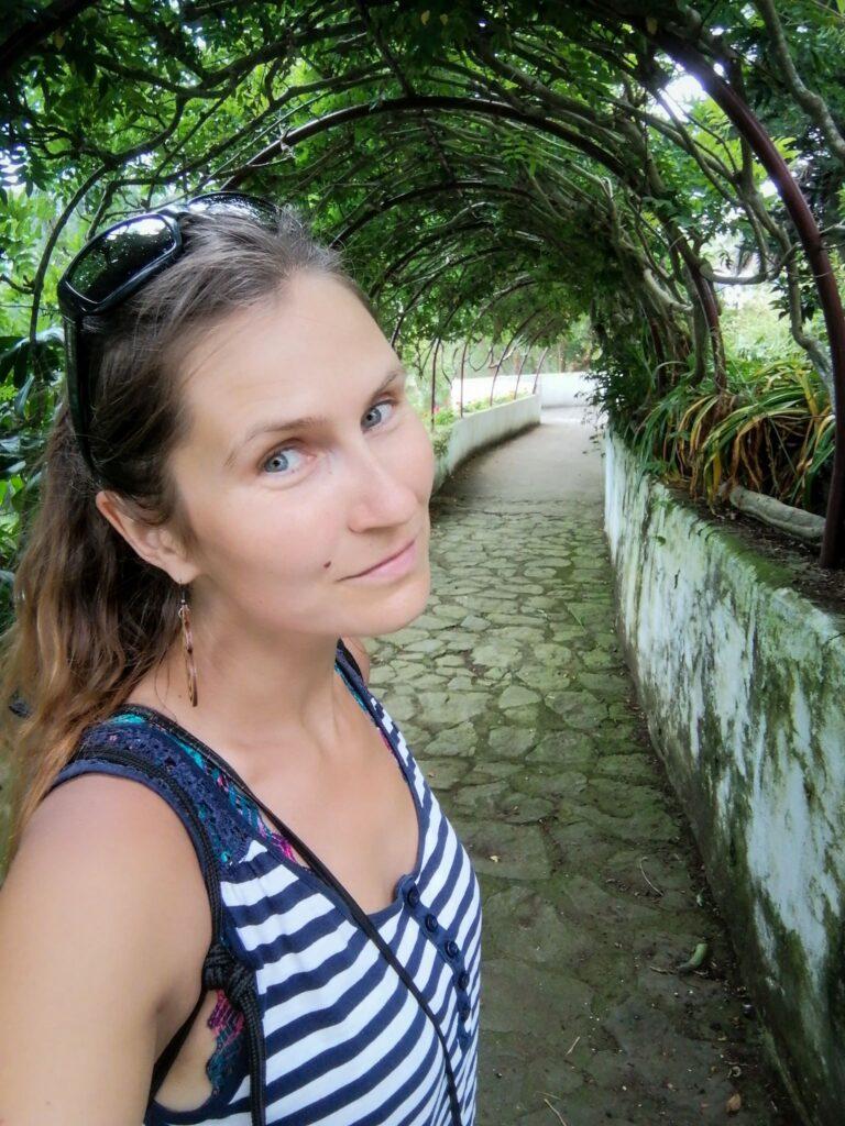 Milena, jardim, garden, ogród, alejka, alley, selfie, Jardim Duque da Terceira, Angra, Angra do Heroismo, Angra do Heroísmo